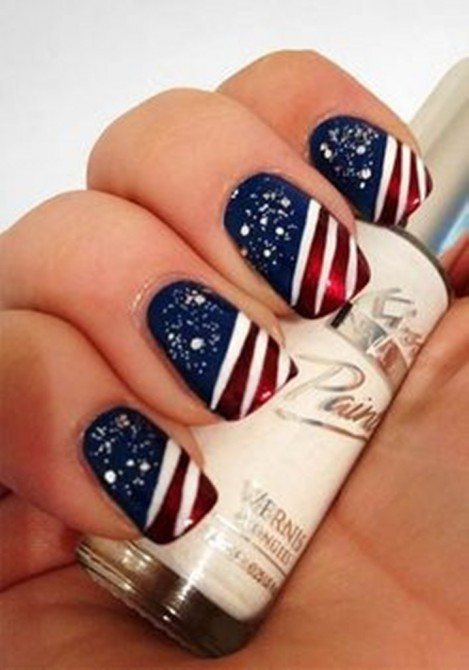 Lovely Nail Art Design with Stripes and Glitters