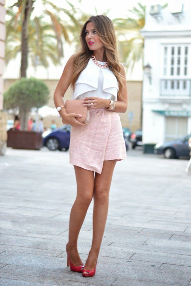 Chic Outfit Idea with A Pink Skirt