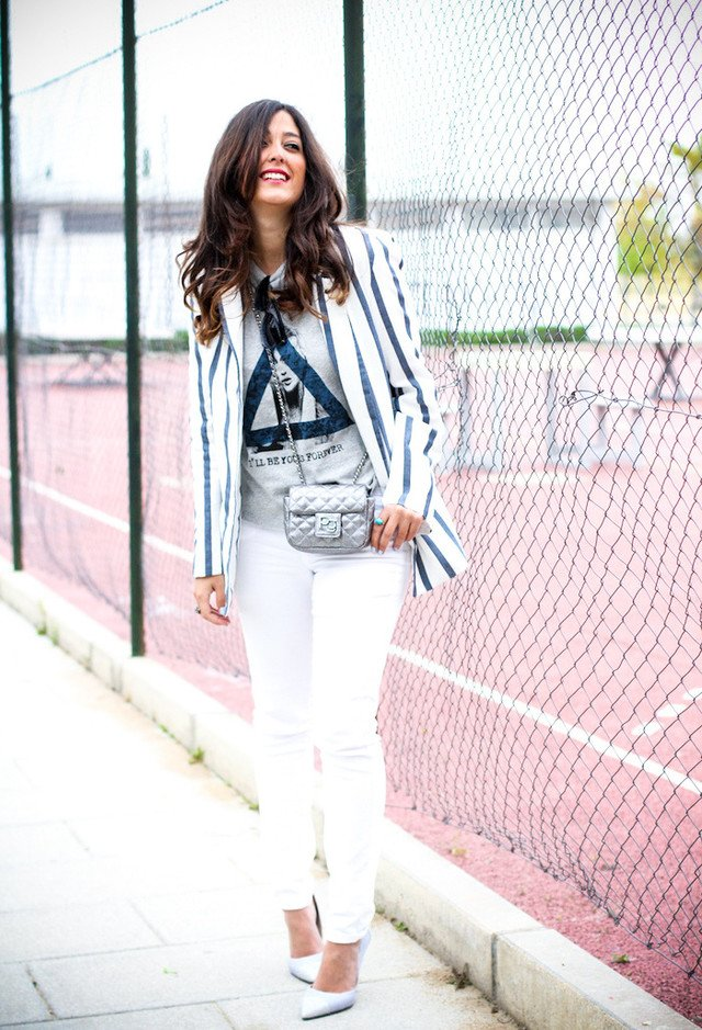 Chic White Jeans Outfit Idea