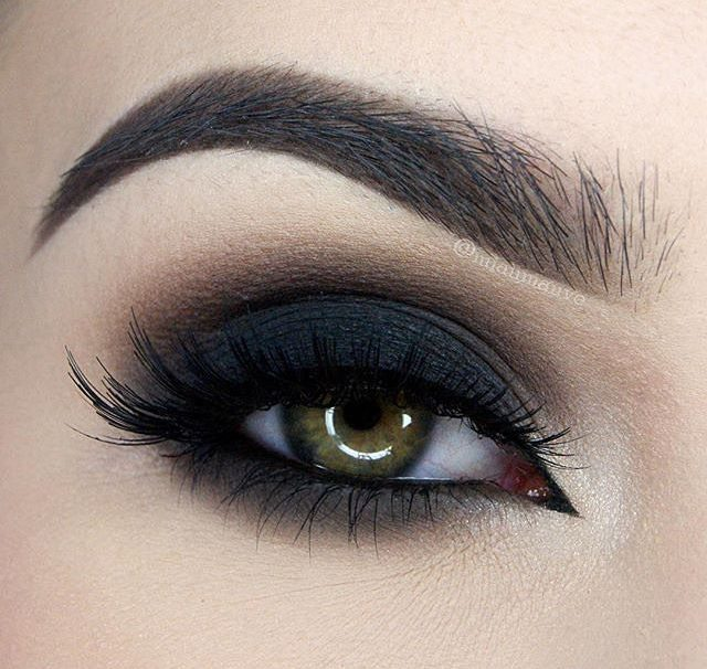 6 Tips on How to Achieve Simple Smoky Eyes