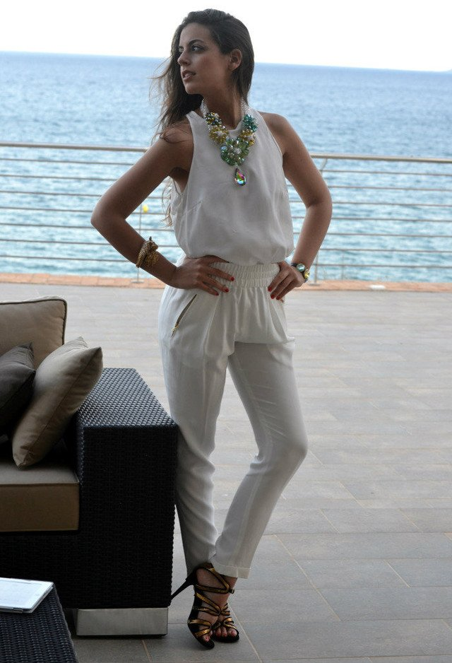 Stunning White Outfit Idea