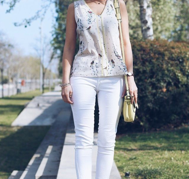 15 Trendy Outfit Ideas with White Jeans